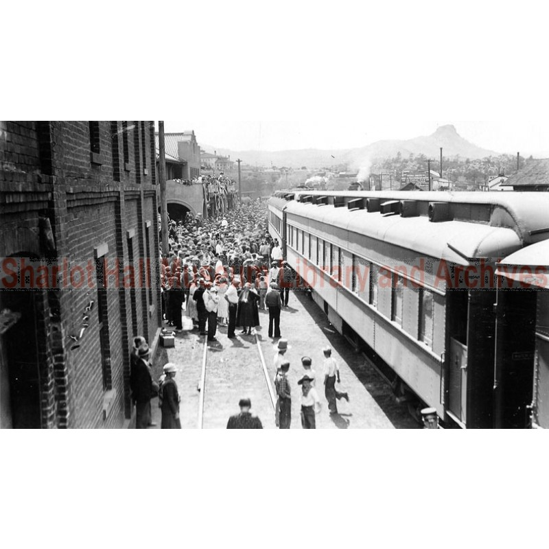 Prescott Railroad Station, celebrations at end of WWI, Prescott, Arizona